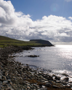 Sumburgh Head (Sweineburgkhaupt), the southern tip of Mainland. Image: Wikimedia Commons